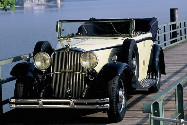 1930 — 1934 Maybach Zeppelin DS8 4-door Cabriolet
